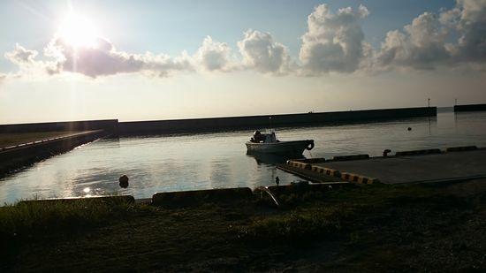 満潮時間は、ボートがこんなに上にあります。