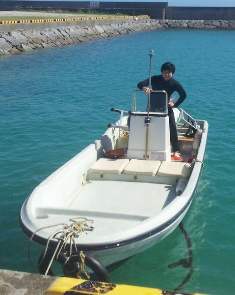 こちらもボートで記念撮影
