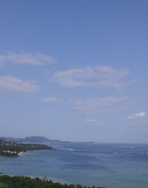 波は高いですが、晴れています