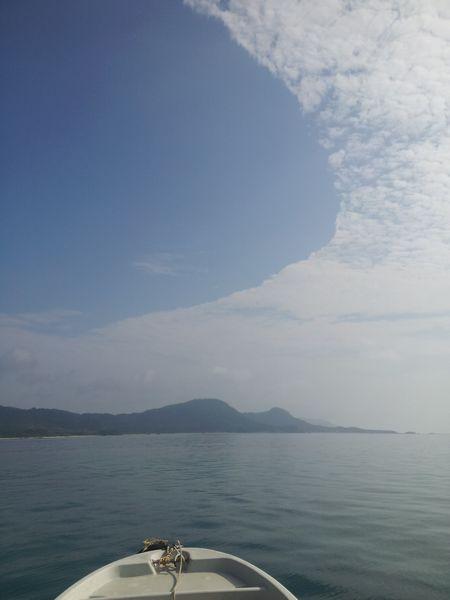 雲と空の切れ目が面白い