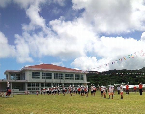 運動会。校歌ダンス
