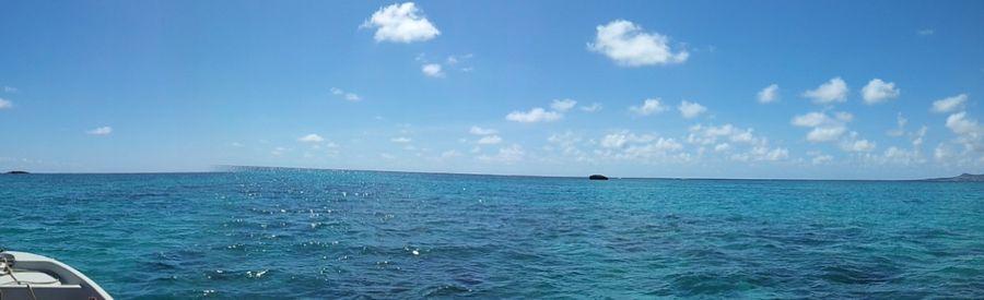 ラグジュアリーな海