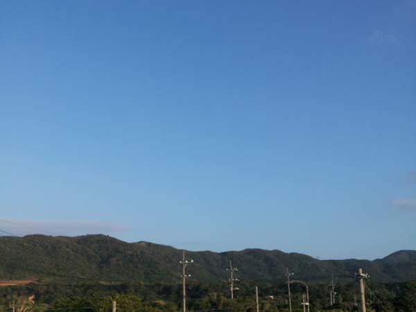 雲ひとつない青空です