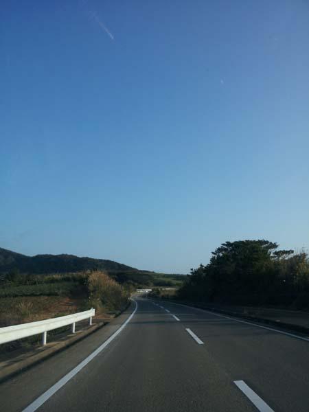 ドライブ途中。きもちい空と空気です