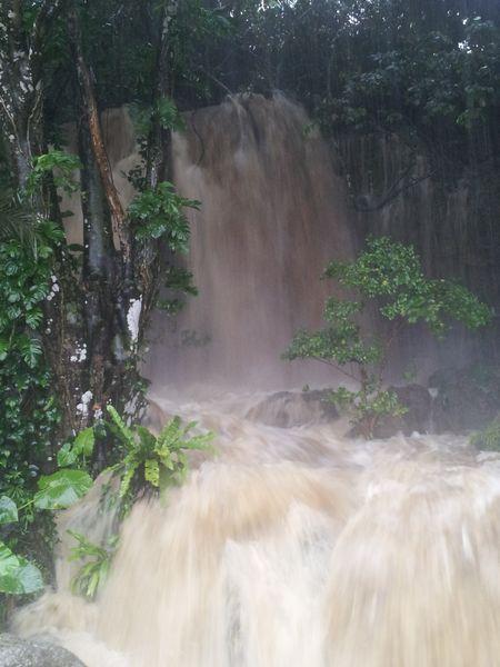 雨の時にしかできない滝