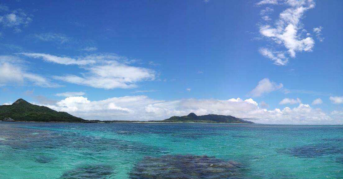 教科書どおりの青い空と青い海