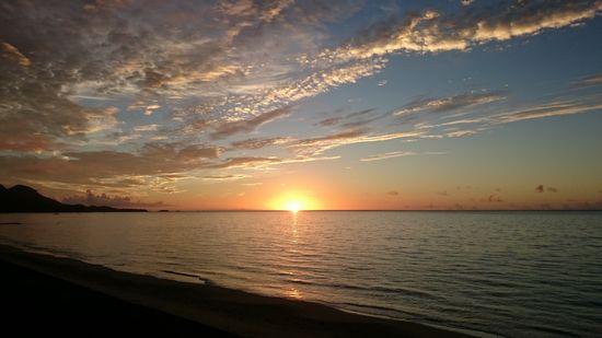 水平線から太陽です