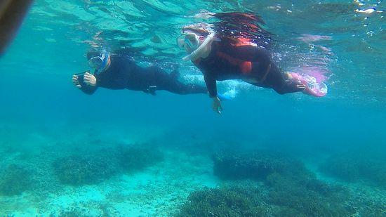 15年ぶりの石垣島の海!シュノーケルを楽しんでいます。