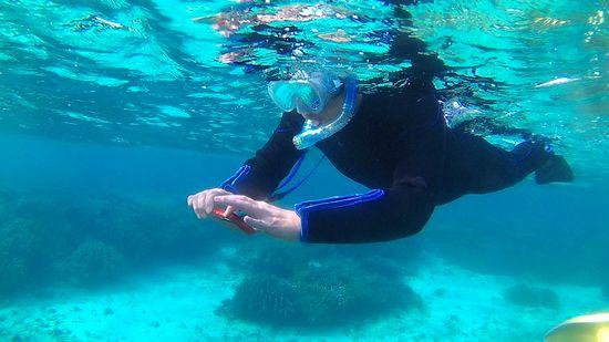 水中カメラを楽しむS田さん