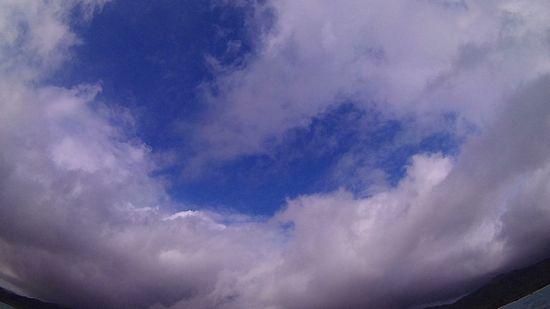 晴れたり曇ったりです