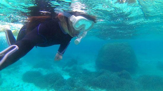 お!ノゾミちゃん、一人で泳いでいます。