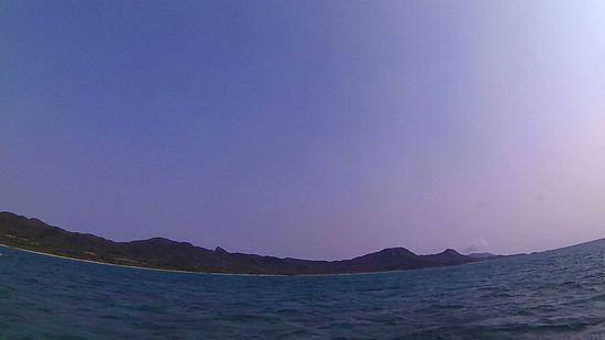 天気は快晴の石垣島ですが、風が強い