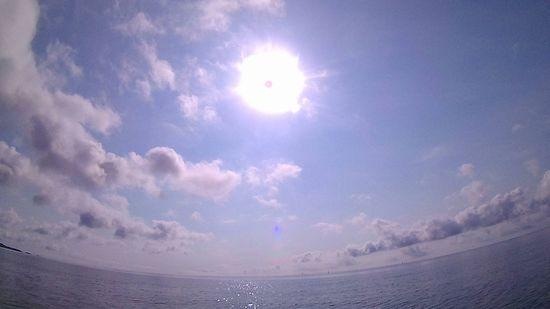 ぎらぎら太陽さんの登場の石垣島です。