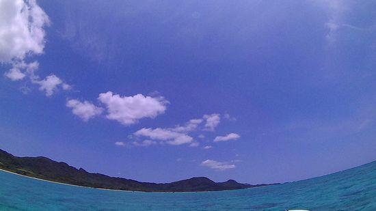 抜けるような青空、シュノーケリング日和の石垣島