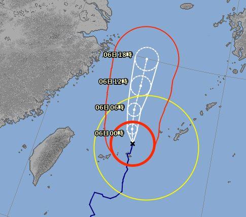 台風13号さん。。早く離れて