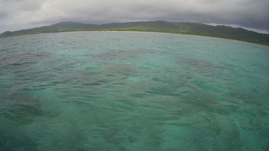 曇り時々晴れ間の石垣島です。