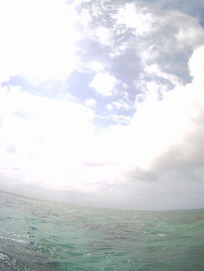 曇り、小雨が降って、ほんの一瞬晴れ間の石垣島