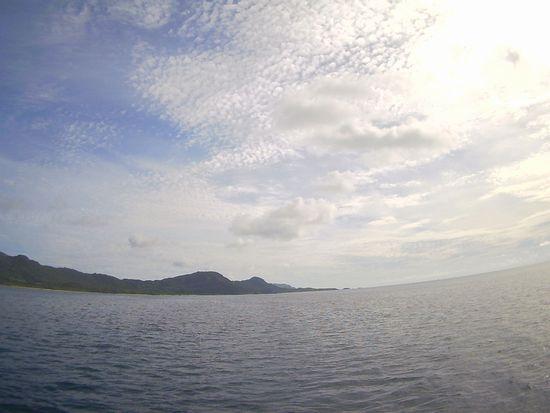 ほんのり薄雲が広がる石垣島です。