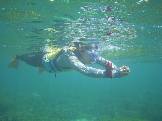 お母さんは、水中撮影です。