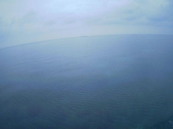 午後からもプールみたいな海です