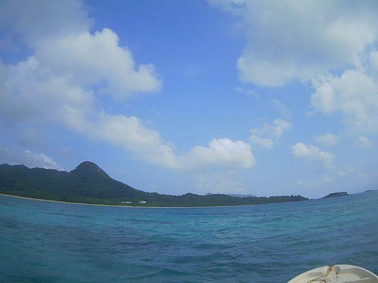 シュノーケルツアーが始まるころには青空の石垣島です