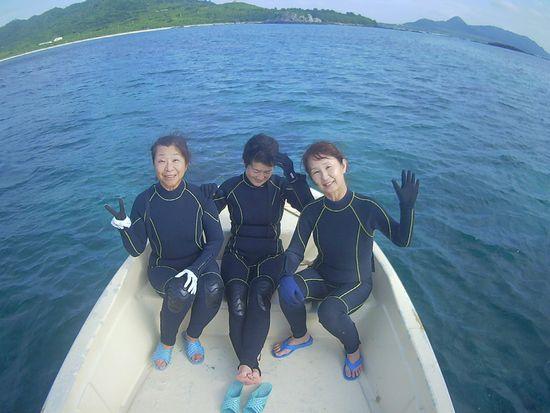 台風リベンジシュノーケル!S川さんとT田さん、K合さん。