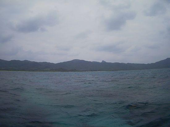 天気はどんより曇りの石垣島です