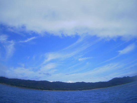 曇り時たま晴れ間の石垣島です。
