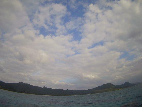 ほんのり晴れ間の石垣島です。