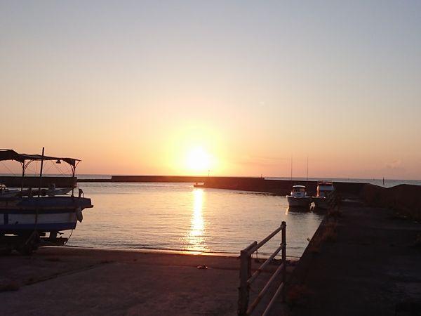 綺麗な朝日となった石垣島