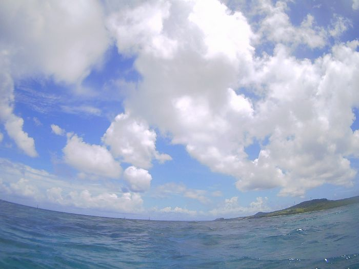午後からは晴れ、青空が青い石垣島です