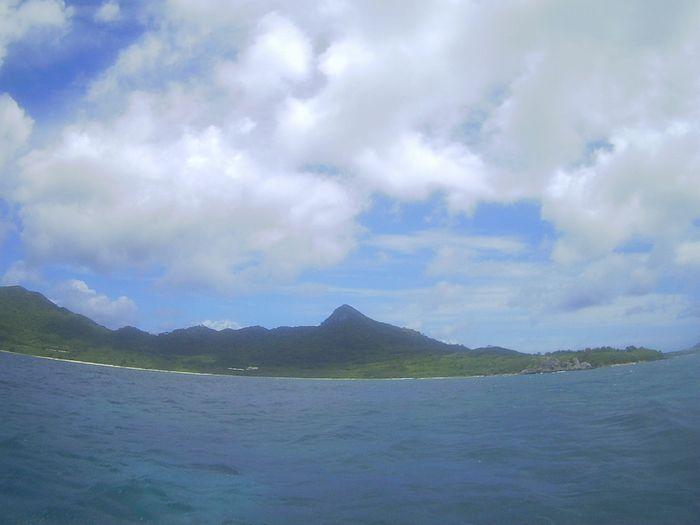 晴れると灼熱の陽射しの石垣島です