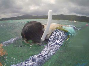 三世代でシュノーケリング!石垣島の海に笑顔広がります。