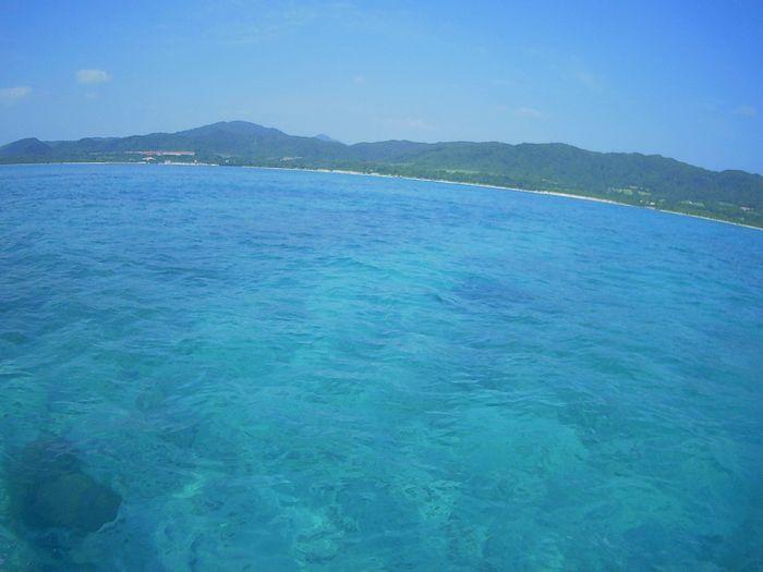穏やかな海がどこまでも広がります。