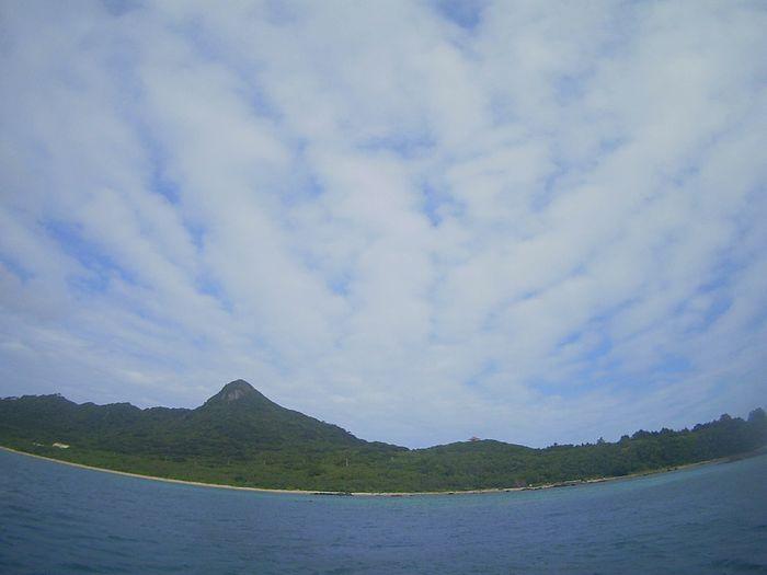 ほんのり曇りの石垣島空模様です。