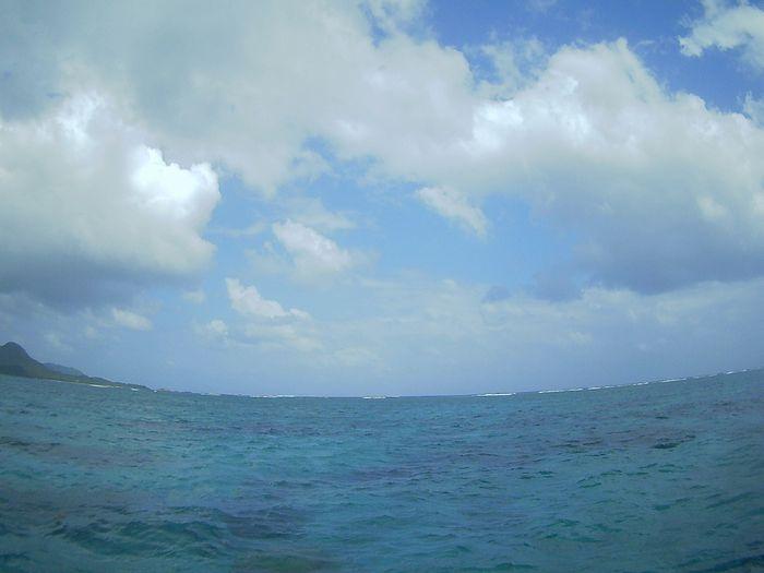晴れたり曇ったり、せわしい天気の石垣島です。