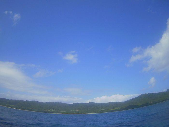 晴れの瞬間に青空広がります。