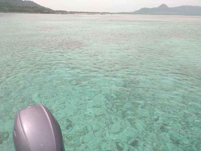 プールのように穏やかな海