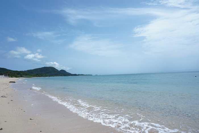 穏やかな石垣島のビーチ