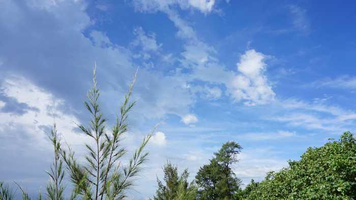 石垣島の梅雨空ですね