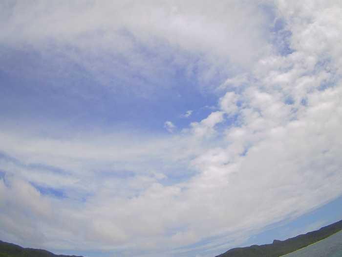 晴れたり曇ったりの一日です