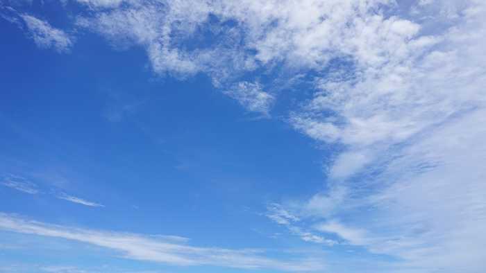 梅雨最中の青空は青い!
