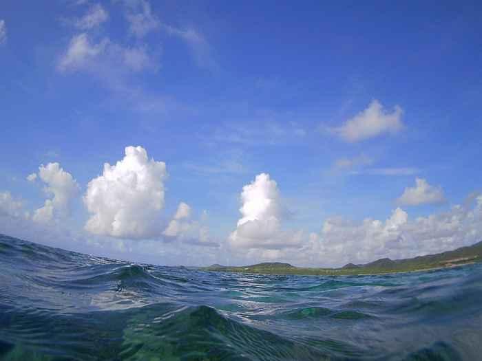 台風の影響はまだまだ大丈夫の石垣島です。