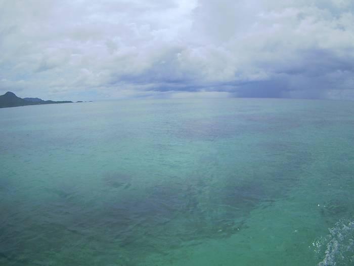 まるでプールのように穏やかな海