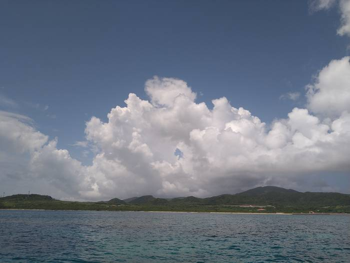 夏空登場、穏やかな海です