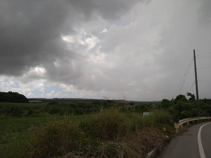 徐々に黒い雨雲