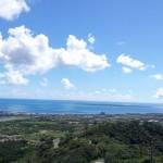 エメラルドの海と空。そして離島を望む展望台