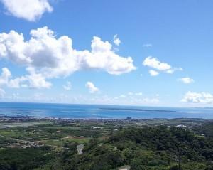 エメラルドの海と空。そして離島を望む展望台~エメラルドの海を見る展望台~