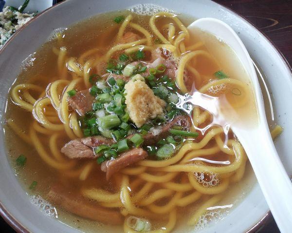 沖縄料理。グルメも楽しみたい