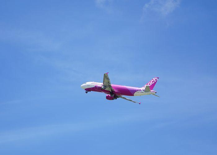 旅立つ飛行機